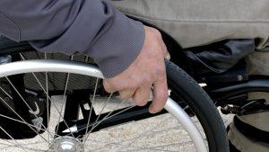 wheelchair 1230101 1280 300x169 - Der Weg zum geeigneten Hilfsmittel - Bericht von AMSEL