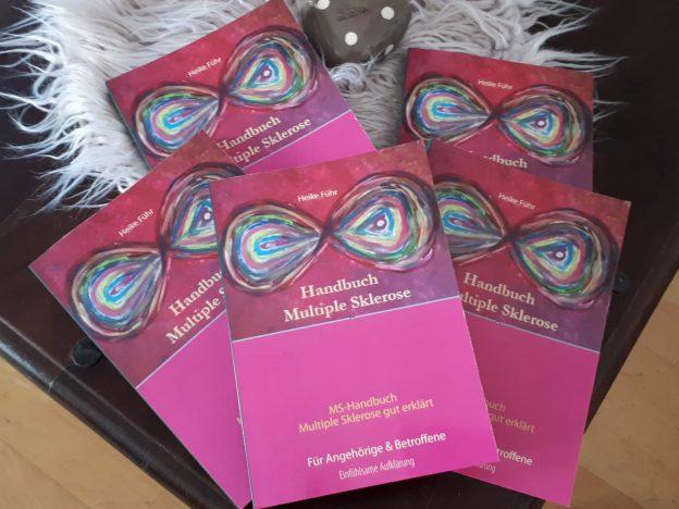"""ms handbuch viele 624x468 - GEWINNSPIEL: 3x mein neues Buch: """"MS-Handbuch Multiple Sklerose gut erklärt Für Angehörige & Betroffene"""""""