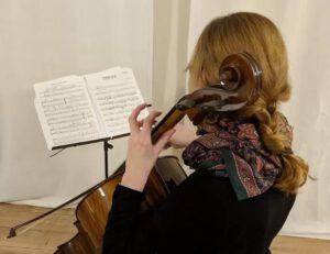 1 gina cello 300x231 - MUSIK: Das neue Thema beim ms-begleiter / Einblick